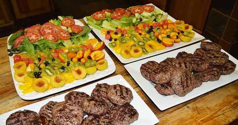 http://www.bailliesmanor.co.za/wp-content/uploads/2016/02/Dining-5-1.jpg