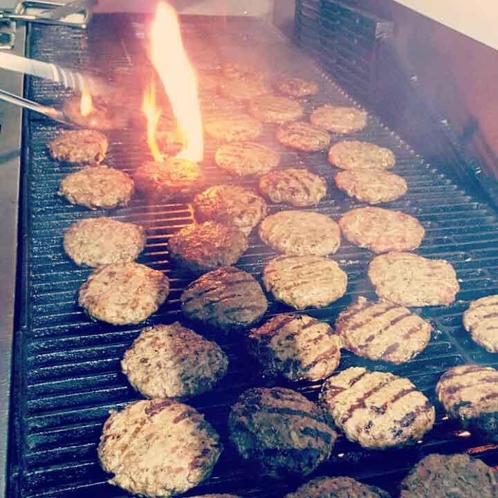 http://www.bailliesmanor.co.za/wp-content/uploads/2016/07/Burger-Night.jpg