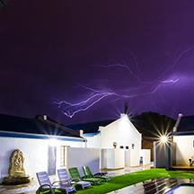 https://www.bailliesmanor.co.za/wp-content/uploads/2016/07/BM-Lightning-1.jpg